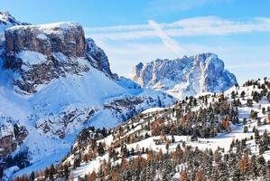 paisagem com montanha dolomites, itália foto