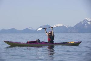 kayaker na baía da ressurreição