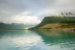 bela paisagem da noruega, escandinávia, europa foto