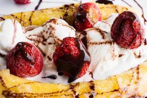sobremesa de banana split foto