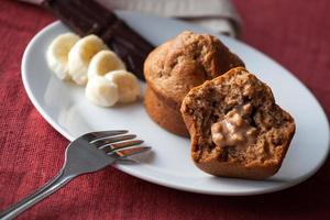 muffins de banana com manteiga de amendoim e proteínas foto