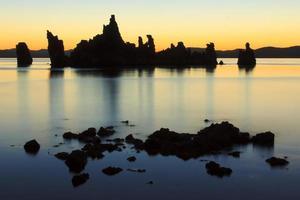 mono lago tufas foto