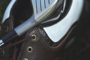 metal encontra couro para golfe foto
