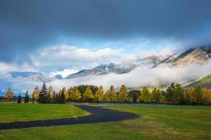 campos de golfe em banff foto
