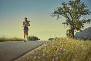 mulher correndo foto
