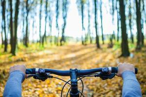 mountain bike down foto
