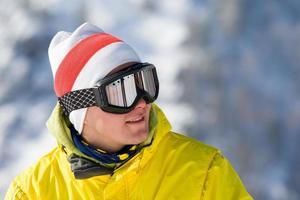 esquiador da montanha foto