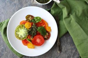 salada de tomates da herança foto