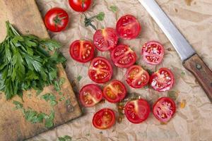 tomate cereja picado foto