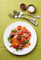 salada de tomate colorido