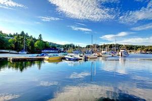 vista para a baía em tacoma, washington foto