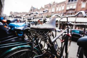 assento de bicicleta em amsterdam foto
