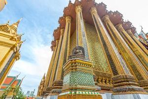 pagode dourado, grande palácio, bangkok, tailândia foto