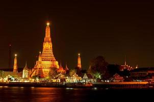 templo arun, bangkok, tailândia foto