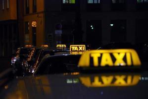 praça de táxis foto