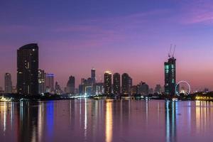 vista da cidade de Banguecoque no crepúsculo