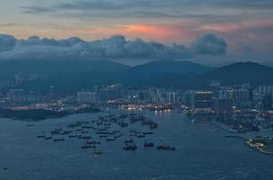 pôr do sol em hong kong foto