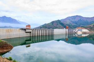 Usina hidrelétrica foto