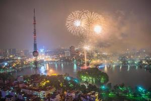 fogo de artifício no ha noi no dia nacional de viet nam foto