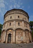 torre de água francesa hang dau (1894) em hanoi, vietnã foto