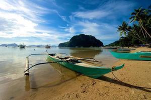 barco de canoa el nido foto
