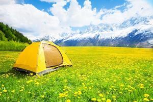 lugar agradável para acampar barraca foto
