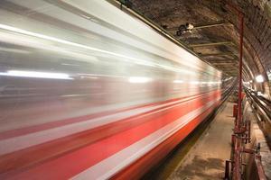 antiga linha de túnel
