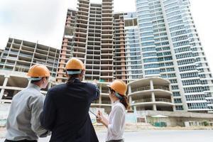 discutindo construção
