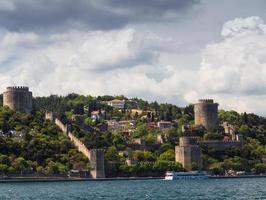 antiga fortaleza rumelihisar istambul, turquia foto