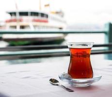 xícara de chá turco foto