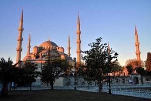 mesquita azul ao nascer do sol, istambul foto