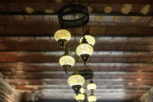 lâmpadas de mosaico colorido estilo otomano foto