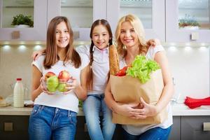 família na cozinha