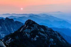 pôr do sol de huangshan