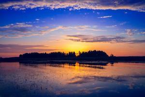 pôr do sol incrível foto