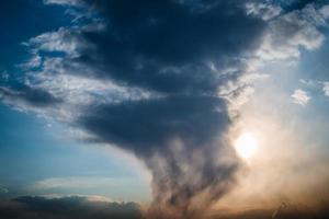 céu do sol. foto