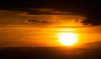 belo pôr do sol foto