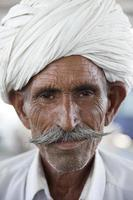 homem indiano rajasthani foto