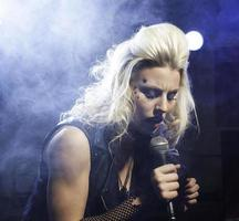 vocalista feminina foto