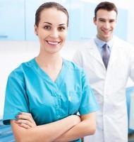 médicos do sexo masculino e feminino foto