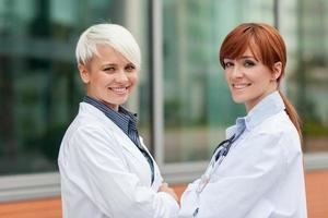 retrato de duas médicas foto