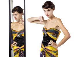 snob de moda feminina em um camarim foto