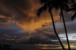 pôr do sol kailua-kona foto