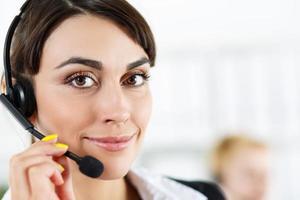 operador de serviço de call center feminino foto