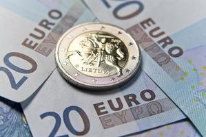 dinheiro novo em euros da lituânia foto
