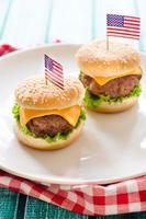 mini hambúrgueres de carne foto