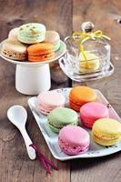 macarons franceses, sobremesa, imagem enfraquecida, foco seletivo foto