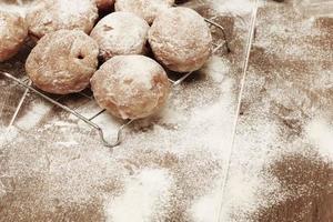 donuts frescos com geléia