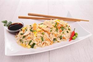 arroz vegetal frito