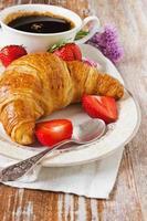 croissant delicioso foto